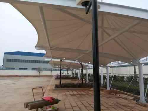 「膜结构车棚厂家」介绍停车棚的排水与照明系统-第1张图片-劳特士膜结构有限公司